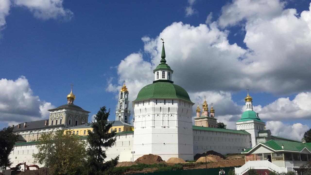 Экскурсии в Свято-Троицкую Сергиеву Лавру.